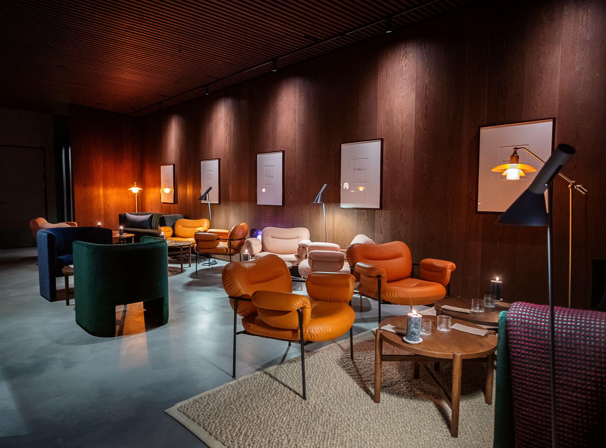 Maaemo lounge